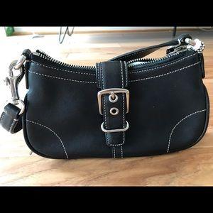 Small buckle handbag